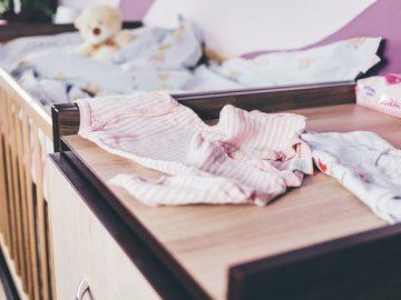 ubrania dziecięce - co powinno znaleźć się w wyprawce?